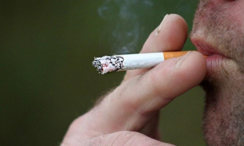 Магазинерка продавала безакцизни цигари в село Цалапица