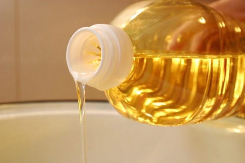 Разкриха незаконен цех за олио в Труд, намериха и храна с изтекъл срок на годност