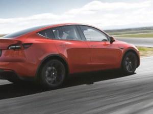 Ъпдейт: Плащаш 2000 долара, за да намалиш ускорението на Tesla-та ти с 0,5 секунди