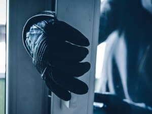 Арестуваха сериен джебчия в Пещера