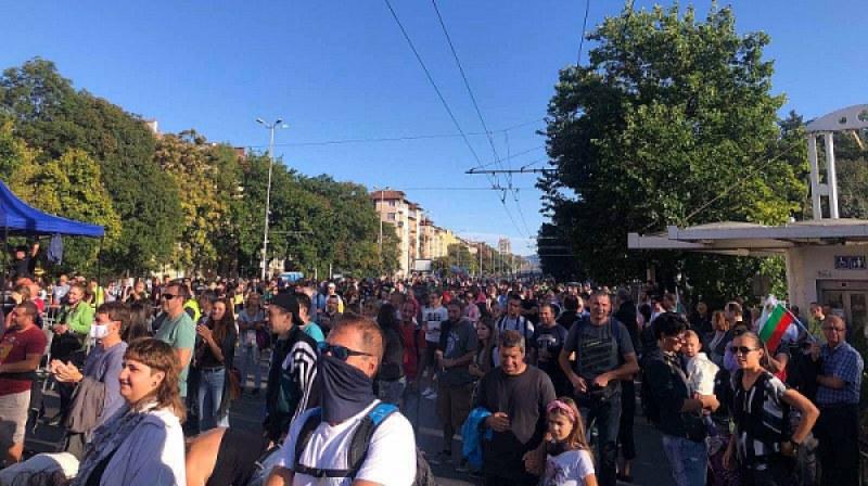 Музиканти зоват за всенароден бунт на Орлов мост