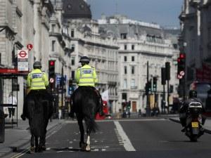 """Великобритания се готви за """"мини"""" затваряне, иначе рискува 50 000 случая дневно"""