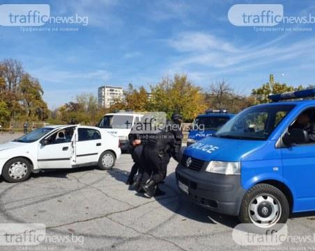 Обвиняват пловдивски полицай- пренасял контрабанден тютюн