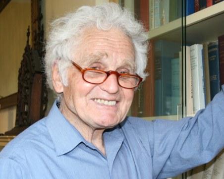 Съветският дисидент Юрий Орлов издъхна в САЩ