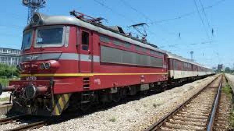 Късо съединение вероятно е причинило пожара във влака София-Бургас