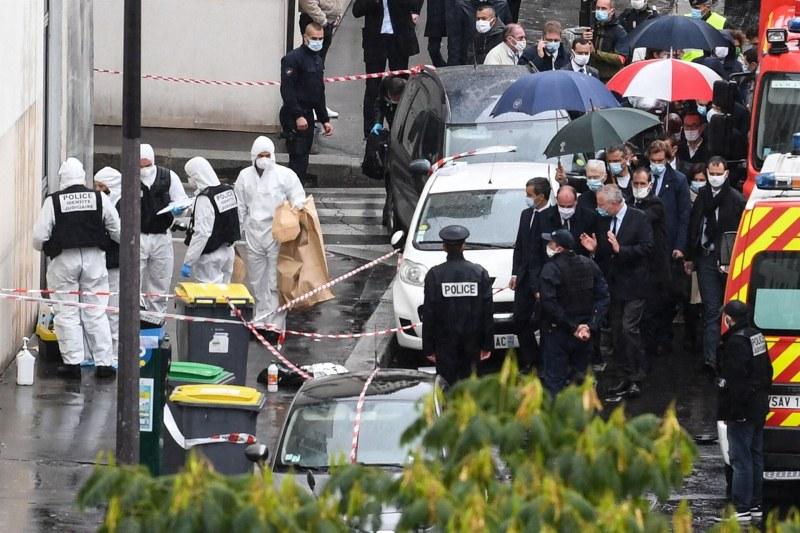 Нападателят с нож от Париж искал да запали офиса на Шарли Ебдо