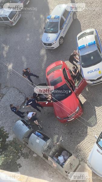 Три патрула гонят мерцедес с пловдивски тийнейджъри! Ето как ги арестуват!
