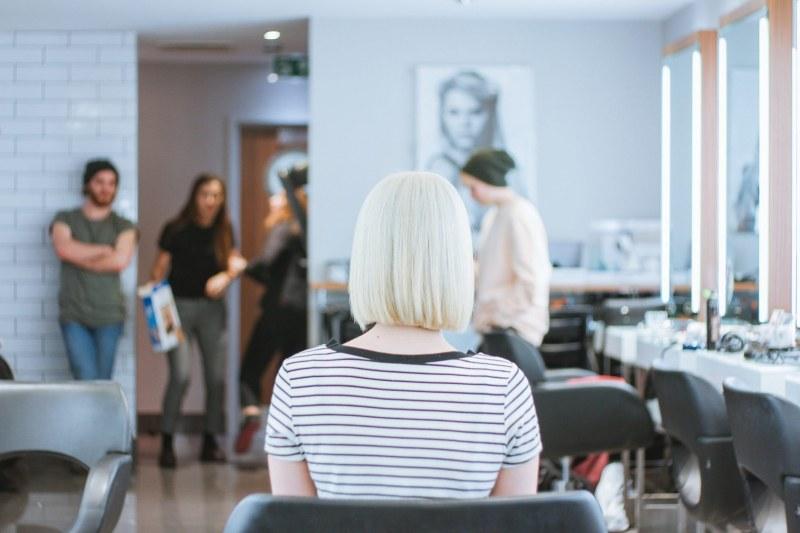 Топ 10 грешки, които правят жените с боядисана коса: Спрете сега!