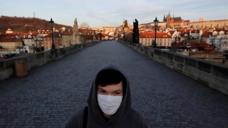 Чехия и Словакия обявиха извънредно положение заради COVID-19