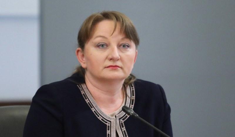 Сачева: Ще изплащаме допълнителните 50 лева към пенсиите до месец март