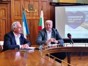 Оставката на Кирчев спаси и зам.-кмета Анести Тимчев след провала  му в социалната политика