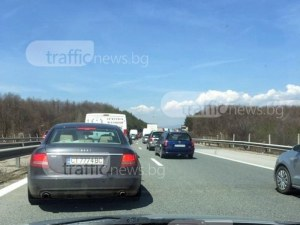Затруднено движение на АМ Тракия, слагат маркировка в платното посока Пловдив