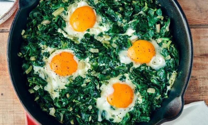 Ястие, което убива жаждата за сладко: Ето защо трябва да ядете яйца със спанак на закуска