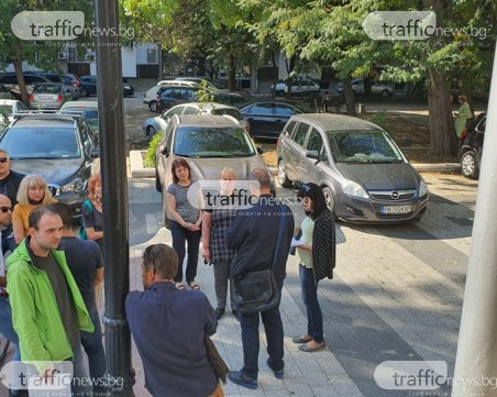 Протест пред съда! Пловдивчаните, осъдени на тридневен арест, се жалят от полицейски тормоз