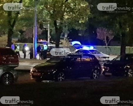 Полиция тараши джип в Кършияка, сложиха белезници на водача