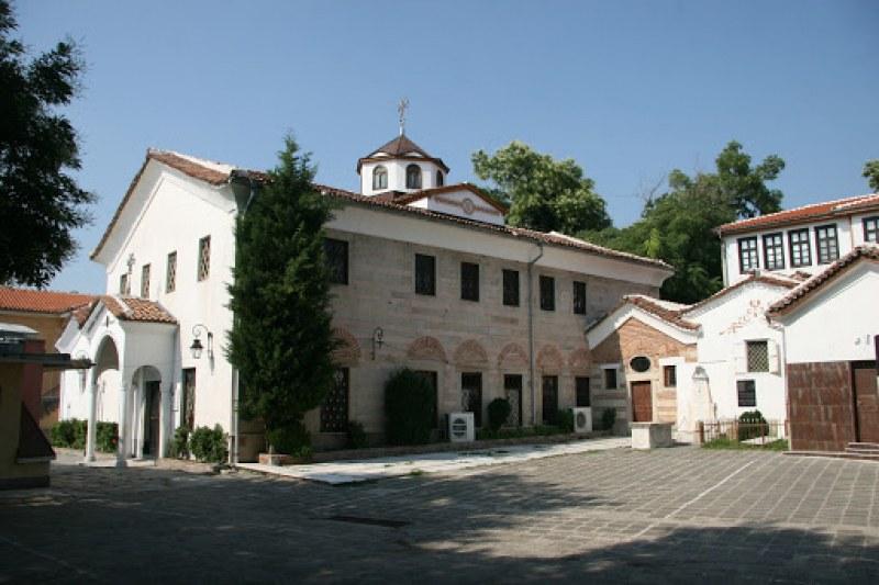 Пловдивските арменци подават ръка на сънародниците си в Нагорни Карабах