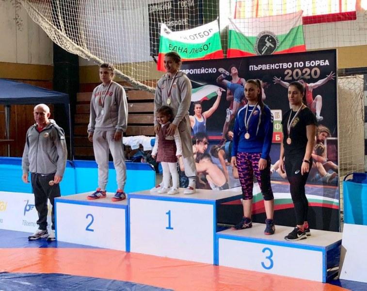 Състезателка на Тракиец с бронз на държавния шампионат по борба