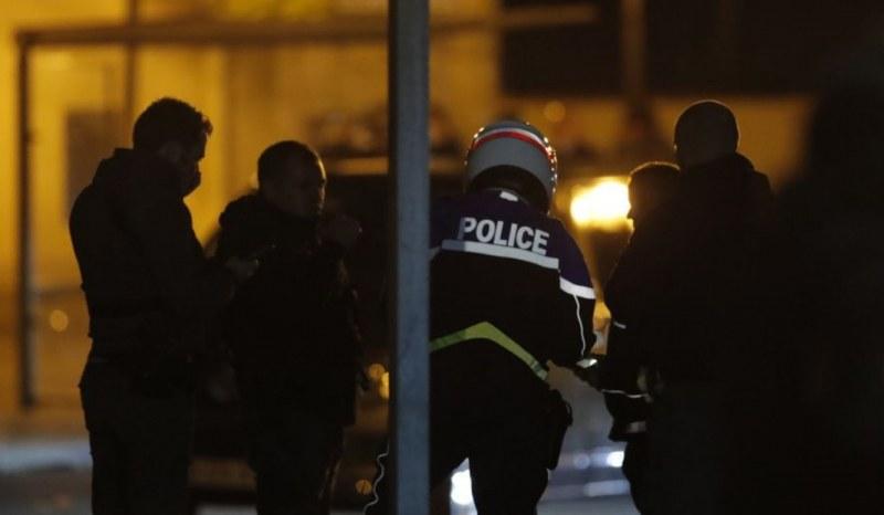 Задържаха четирима за убийство на учител във Франция