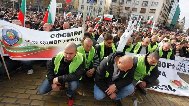 Пловдивските полицаи излизат на мълчалив протест
