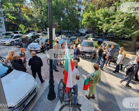 Пловдивчанин изпраща писма с клетви до МВР, защитава глобените протестъри