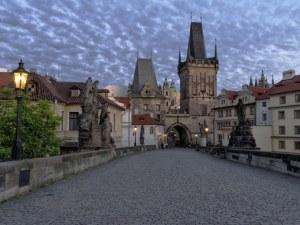 Чехия затваря повечето магазини, забранява свободното придвижване на хора