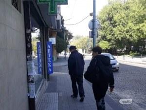 Пловдивчани се втурнаха отново да се запасяват с маски