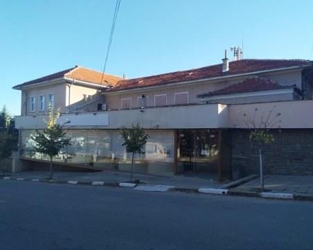 Младежите от село Марково ще се радват на обновен клуб