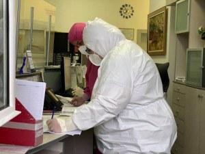 Още 45 медици заразени с коронавирус у нас за последното денонощие