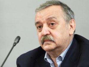 Кантраджиев: Трябва да се въоръжим с търпение, водата за уста и содата убиват вирусите