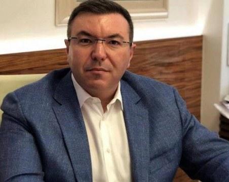 Здравният министър остава под карантина, въпреки отрицателен тест