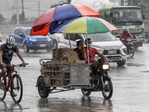 Силен тайфун удари Филипините, хиляди евакуирани