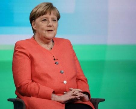 Меркел предлага затваряне на всички заведения, фитнеси, кина и театри