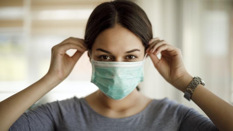 Нова теория: с маска неусетно можем да изградим имунитет
