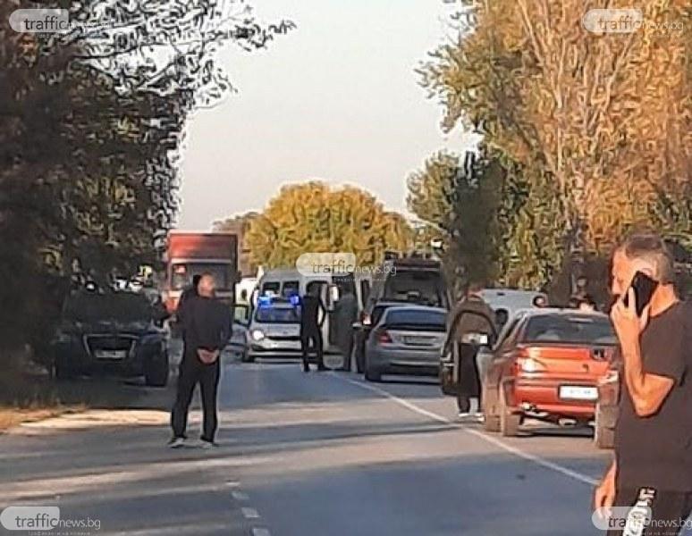 Борят се за живота на моториста от мелето във Войводиново, има нужда от кръв
