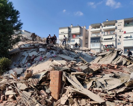 Шестима загинали и 120 ранени след земетресението в Егейско море