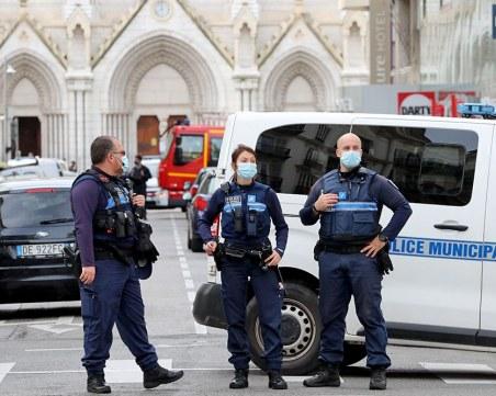 Френският прокурор разказа за нещата, намерени у нападателя на църквата в Ница