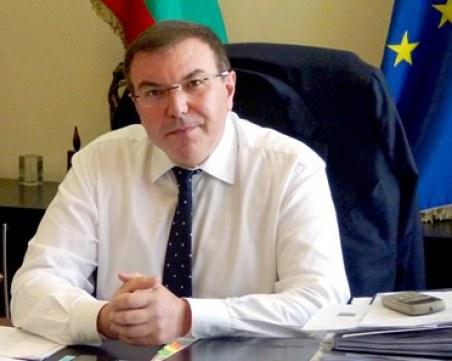 Здравният министър остава под карантина, въпреки втория отрицателен тест
