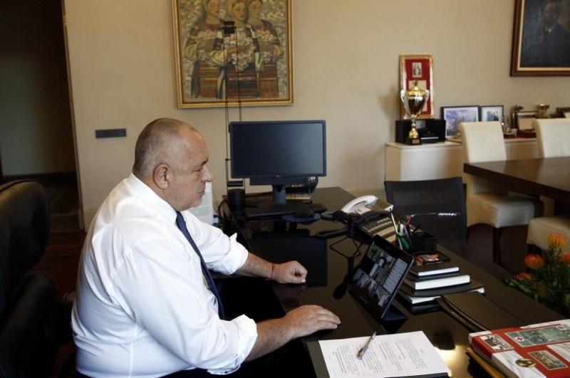 Борисов към министрите: Не искам да залитате по забрани, а всеки човек и бизнес да бъде обгрижен