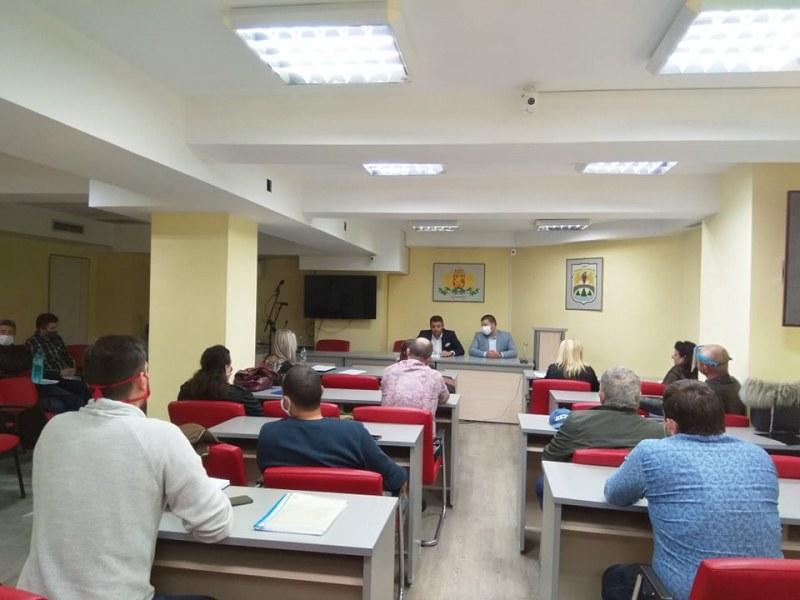 """По-високи заплати за администрацията на """"Родопи"""" от догодина"""