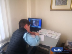 Как се отразява онлайн обучението на българчетата? Едва половината ученици доволни