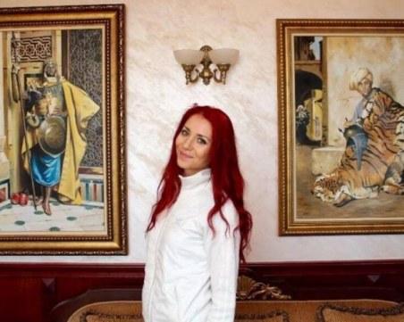 Млада художничка от Пловдив показва ярка реалистична живопис в самостоятелна изложба