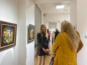 Петя Доненчева превърна Художествената галерия в оазис на спокойствието