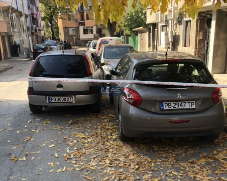 Погром в центъра на Пловдив! Вандали разбиха 5 коли