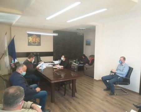 """Няма да затварят пенсионерските клубове в община """"Родопи"""""""