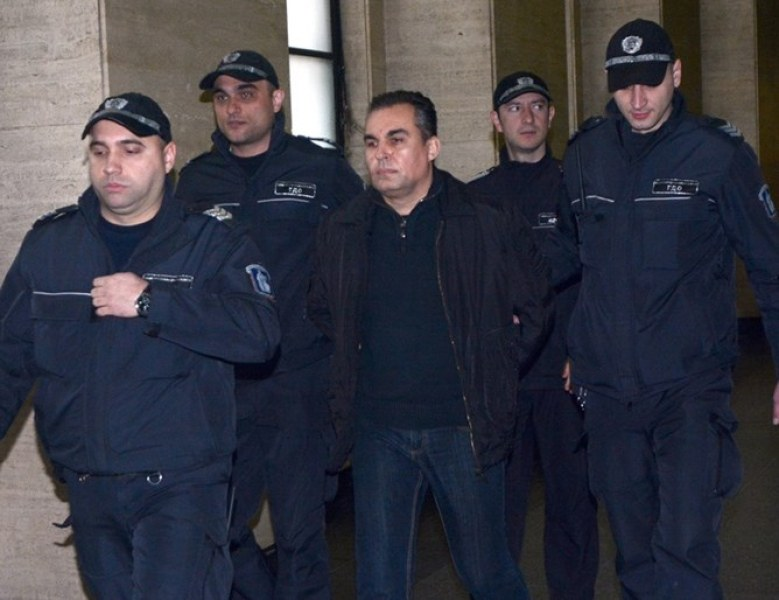 Съдия, оправдан за подкуп, осъди прокуратурата