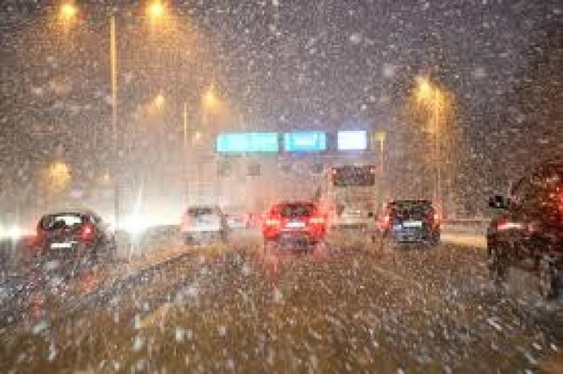 Първи сняг в голяма част от България в събота