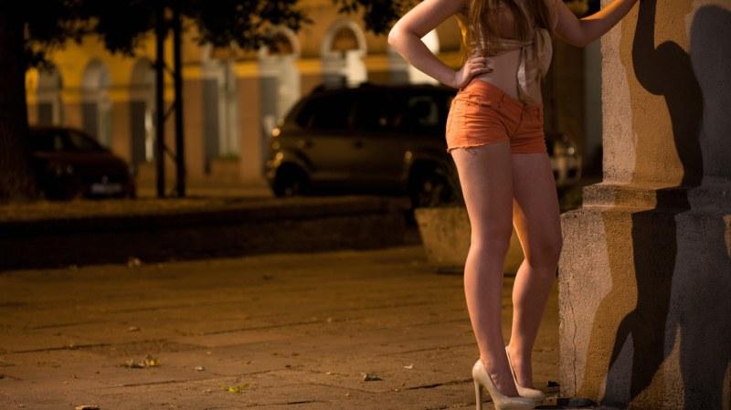 170 души арестувани за трафик на жени, 13-годишна - сред жертвите