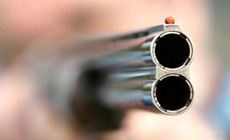 16-годишен простреля свой приятел по време на игра