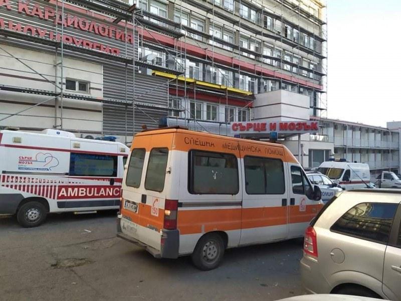 Мъж скочи от осмия етаж на болница в Бургас