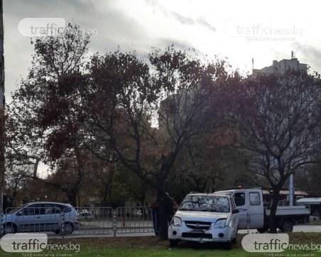 Кола отнесе мантинели на Цариградско шосе
